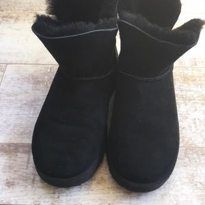 77af0996f60 Ugg Classic Cuff Bootie. Black. Size 6